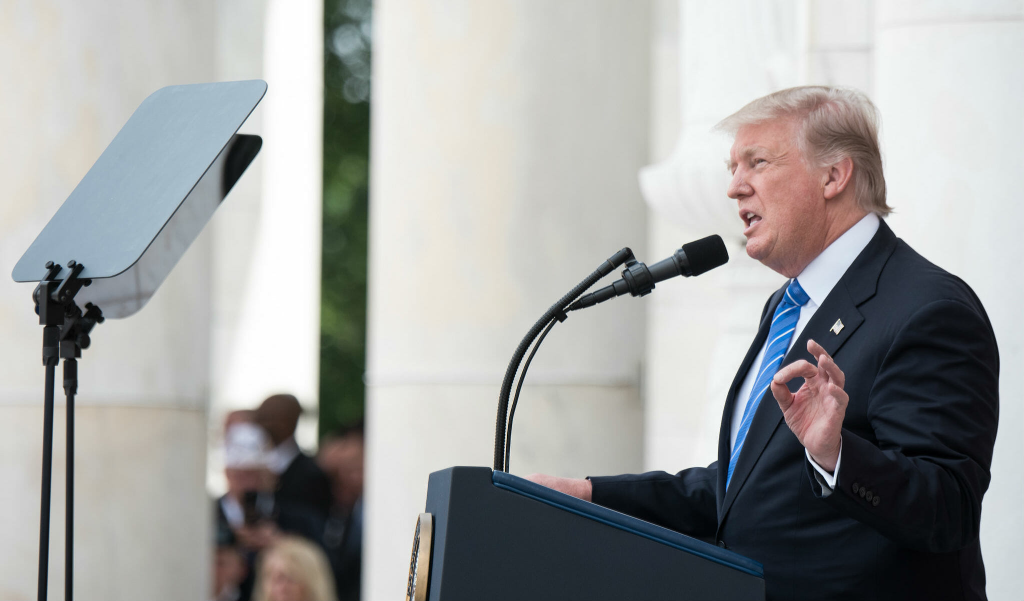 How much does the president make : president trump salary