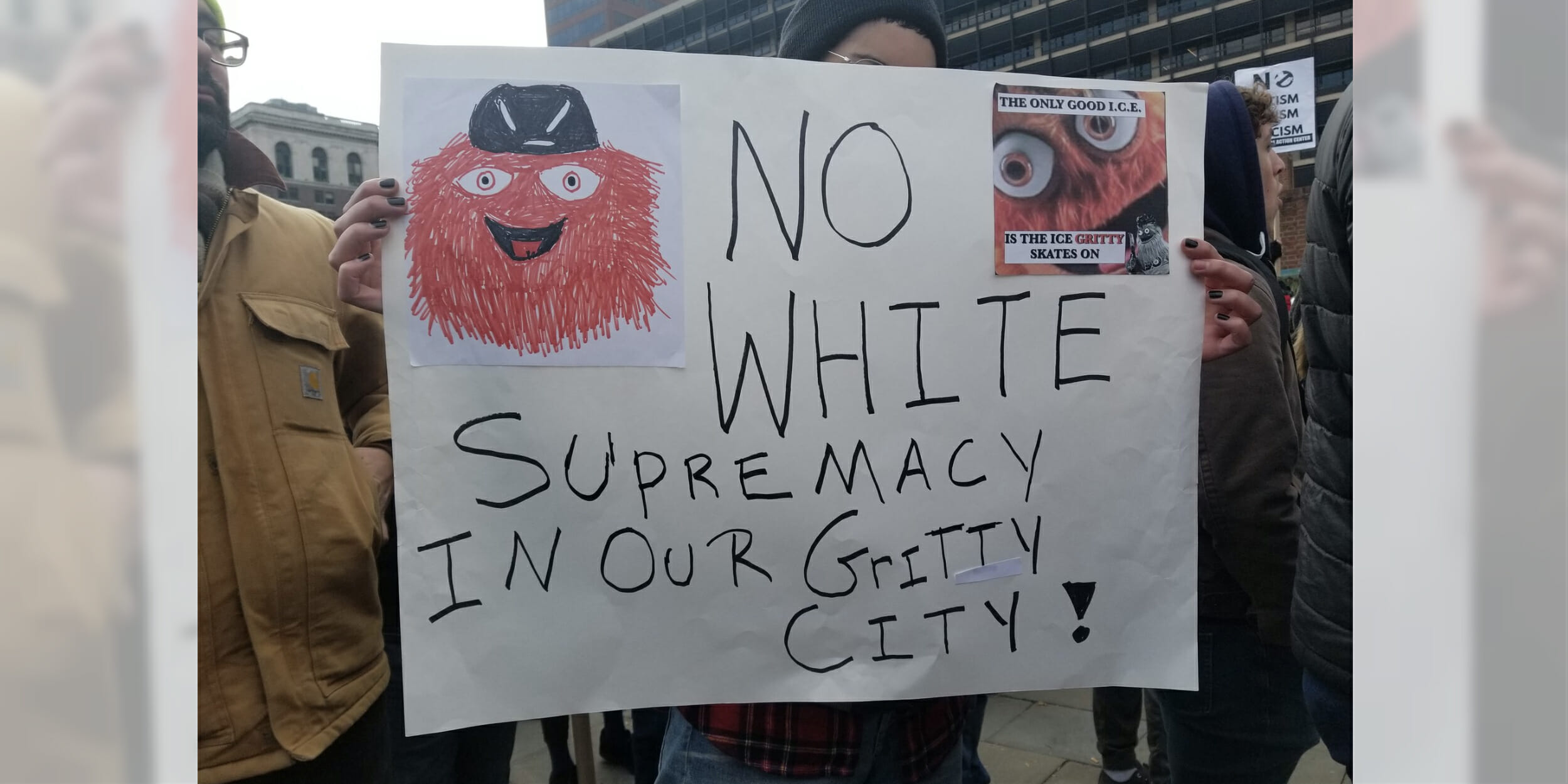 Gritty shows up at Philadelphia far-right rally in full force