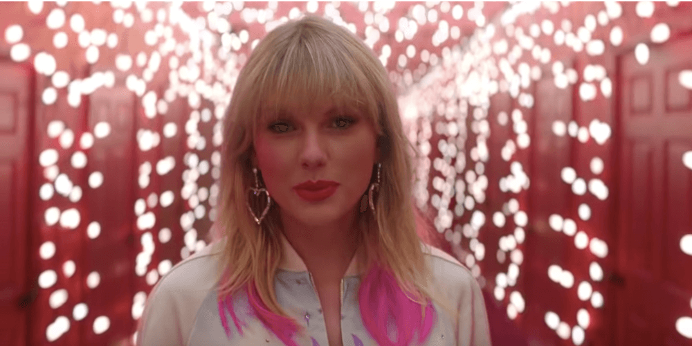 Taylor Swift Stans Have no Idea What 'This Band Tool' Is