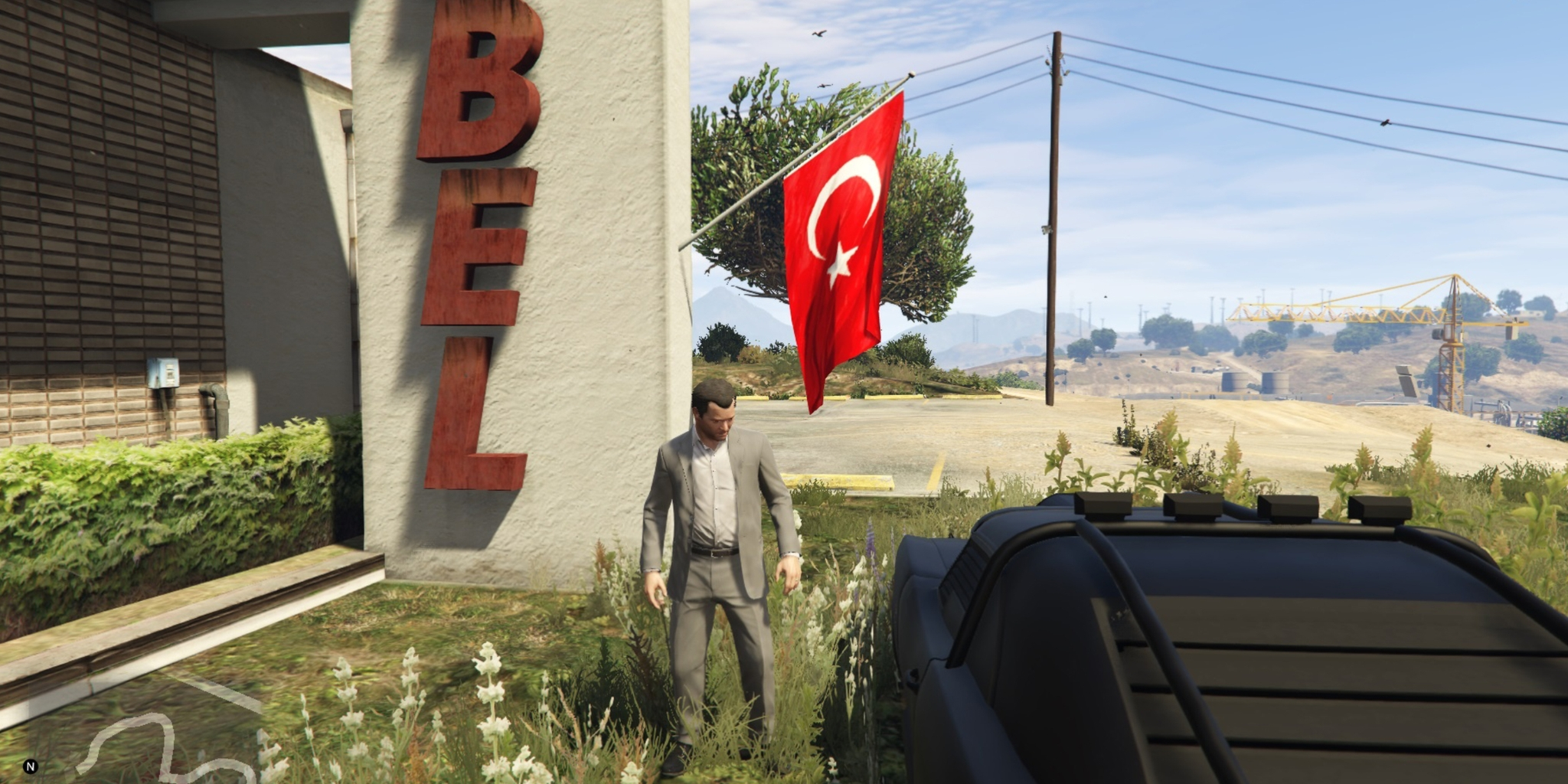screenshot of gta5 showing a turkish flag