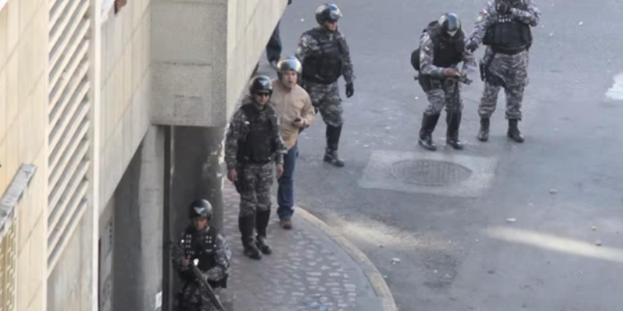 Uniformados y civiles dispararon en Candelaria el 12F - YouTube.png (696×460)