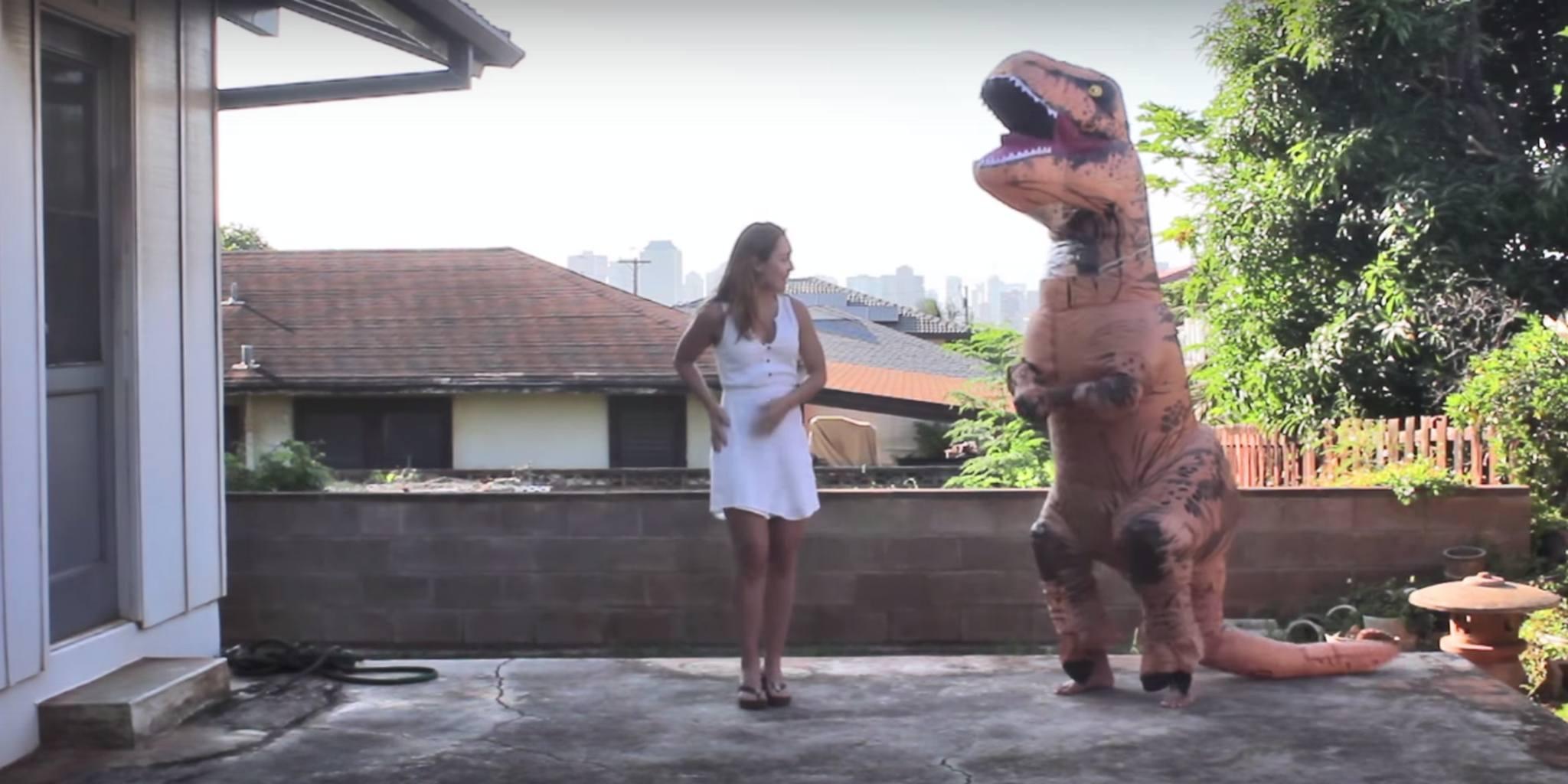 t-rex macarena