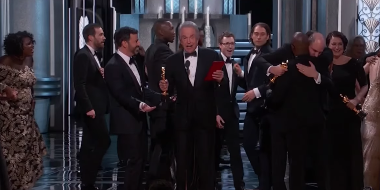Warren Beatty presenting the award for Best Picture at the 2017 Oscars