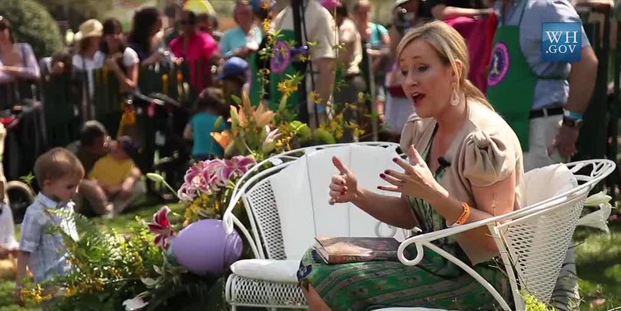 J._K._Rowling_at_the_White_House_2010-04-05_5.jpg (JPEG Image, 1280×720 pixels)