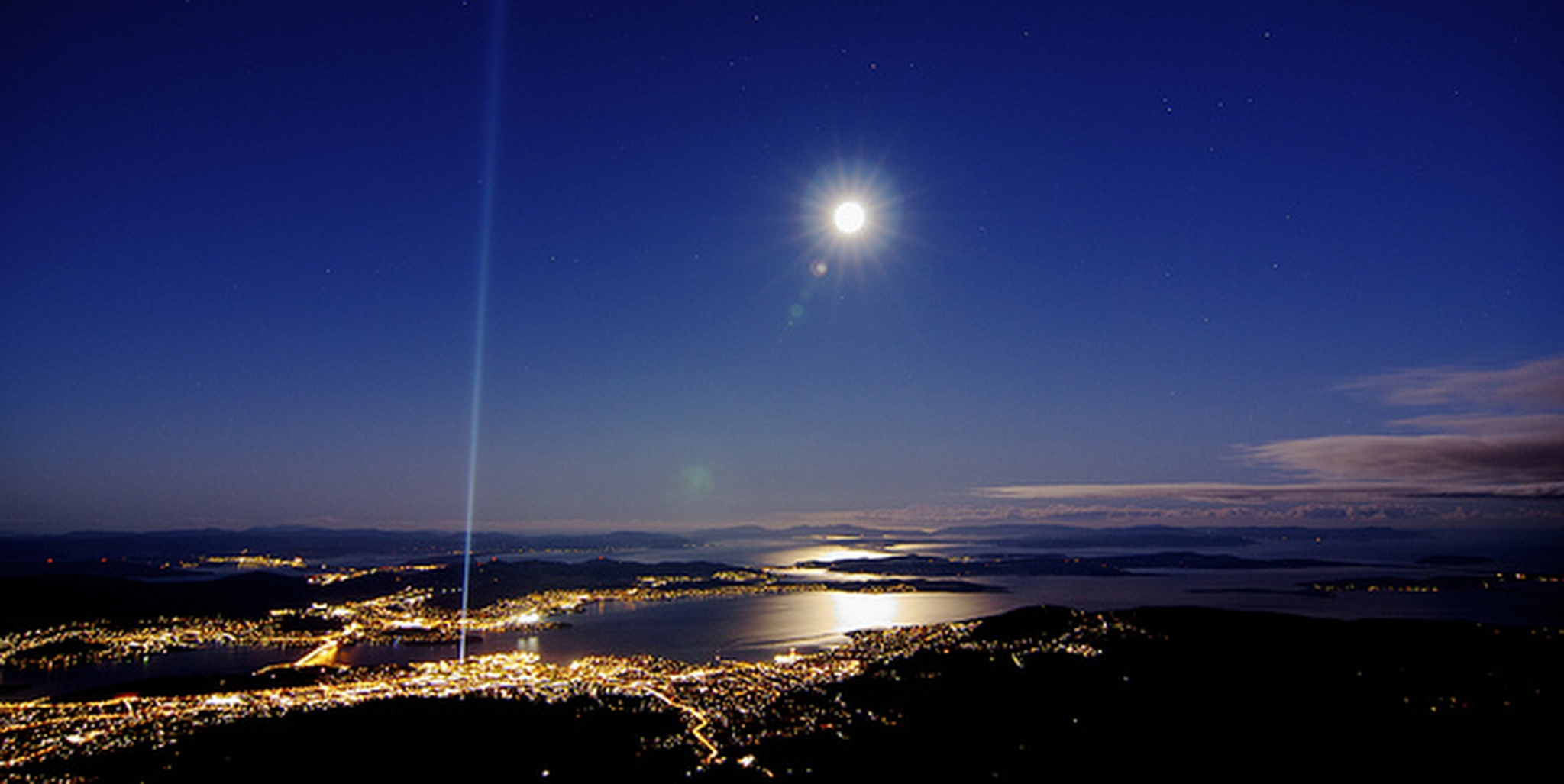Spectra & Full Moon from Mt Wellington | Flickr - Photo Sharing!