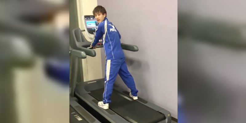 japanese guy falling off treadmill and losing pants