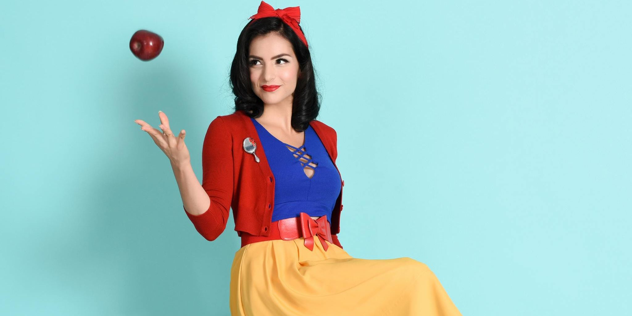 Unique Vintage Snow White look