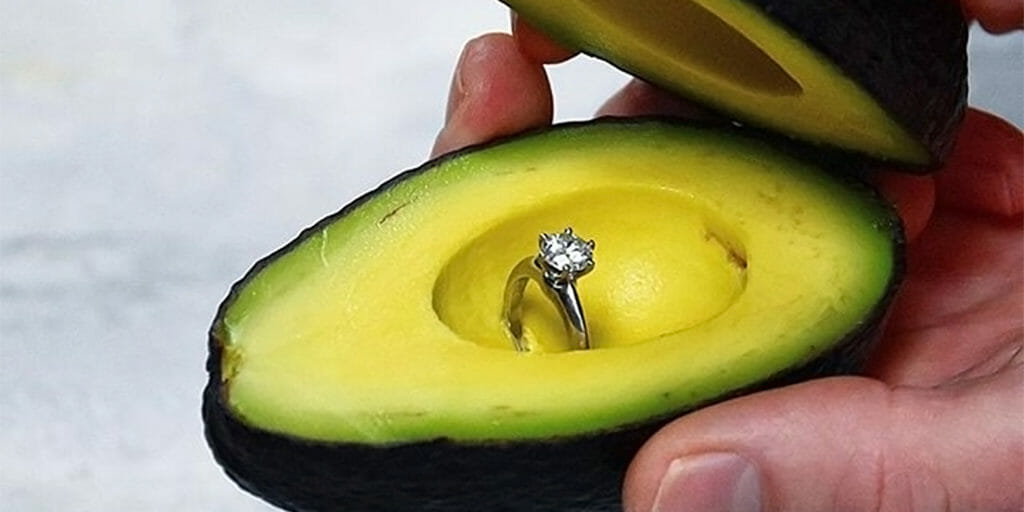 Bizarre new trend involves people proposing with avocados