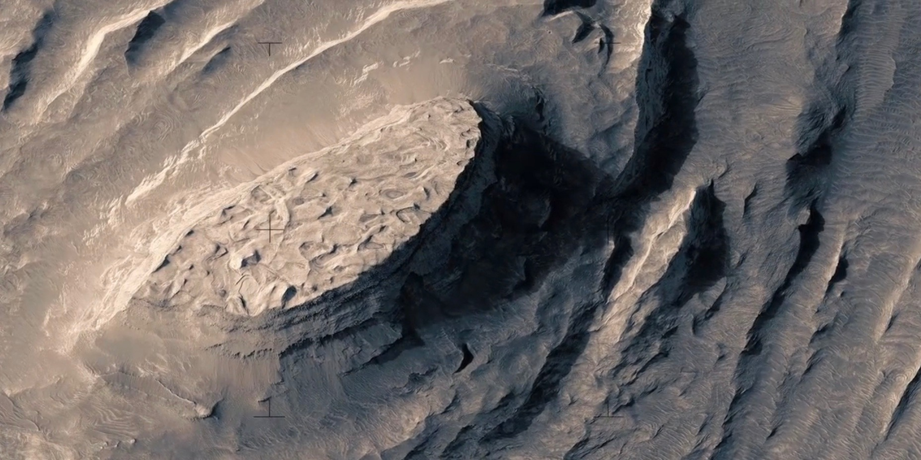 This Incredible Mars Video Took 3 Months and 33,000 Images to Create