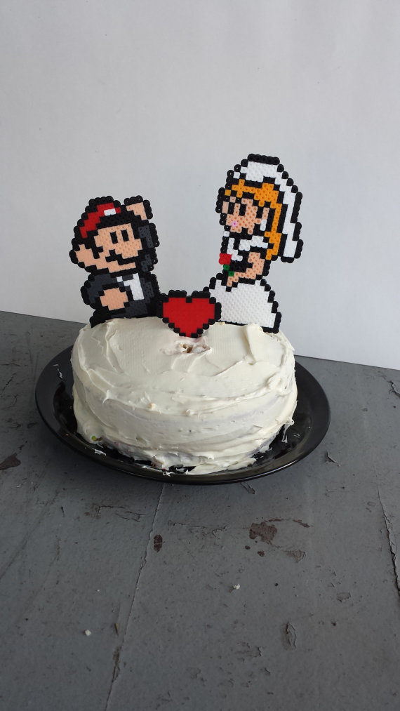 15 wonderfully nerdy wedding cake toppers | The Daily Dot