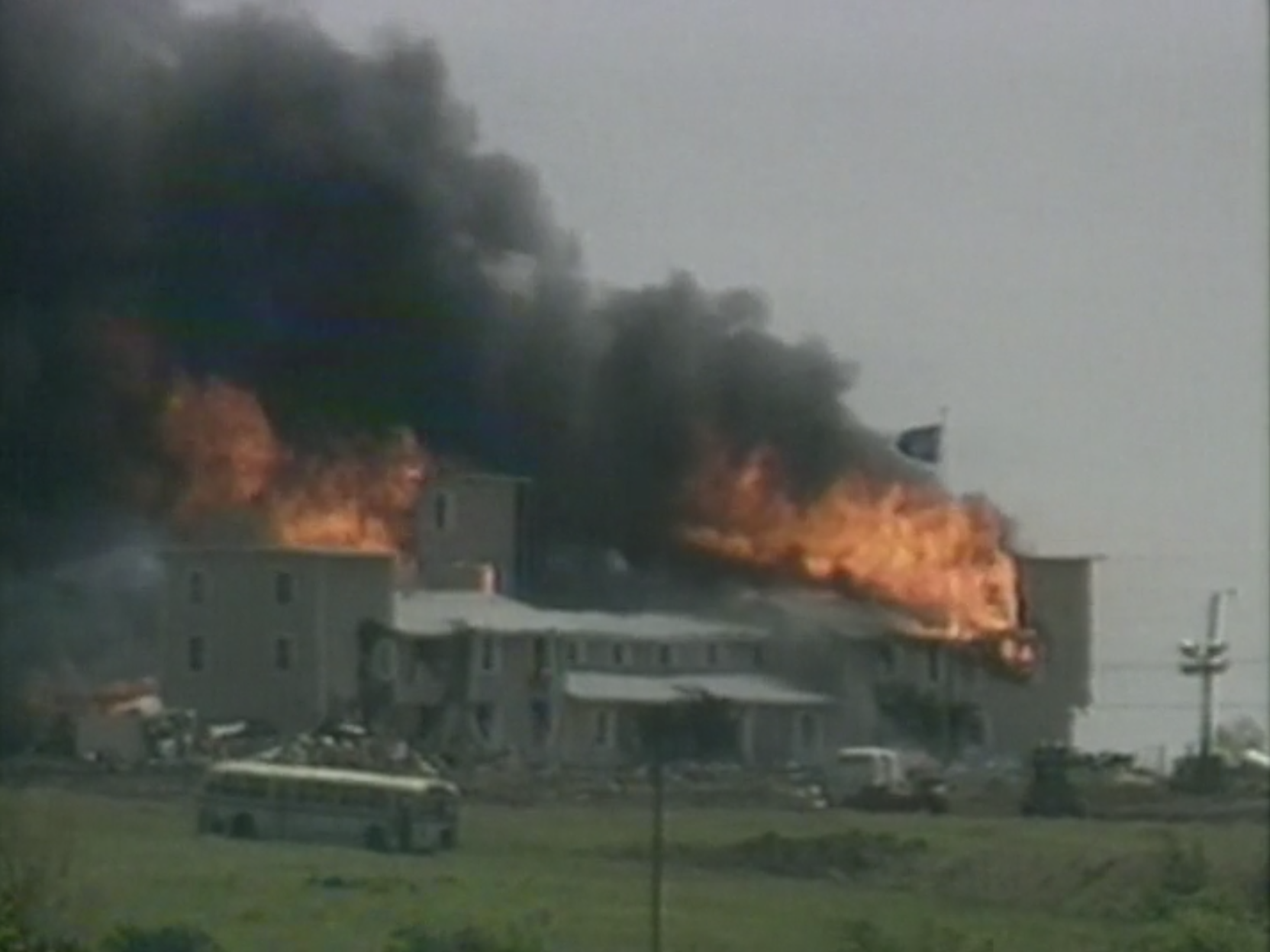 best documentaries on amazon: Waco Rules of Engagement