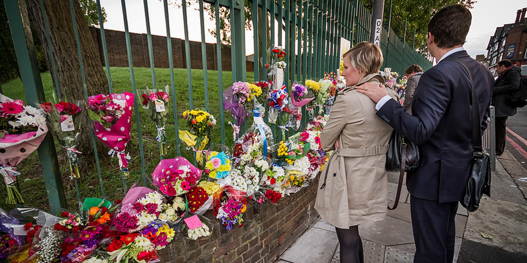 Floral tributes for Lee Rigby at Woolwich Barracks, London 2013 (37)   Flickr - Photo Sharing!